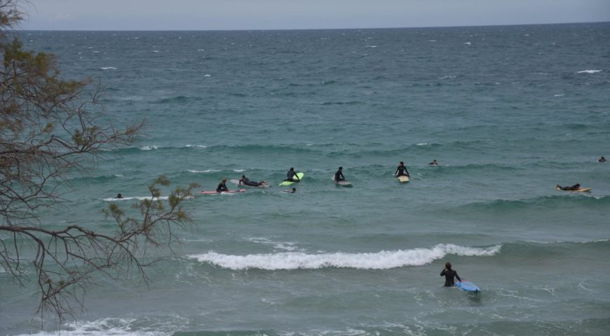 surfing lessons in crete