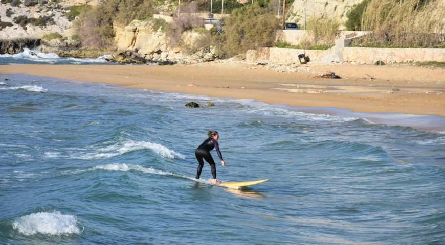 surfing lessons in chania